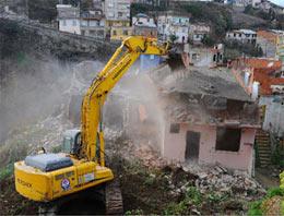 Binalar dönüşüm için yıkılacak